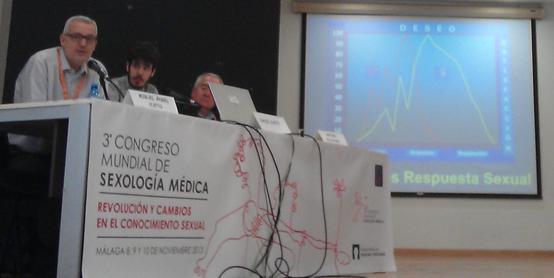 Miguel Ángel Cueto, David Cueto y Antoni Bolinches. III Congreso Mundial de Sexología Médica. (Málaga, 9 noviembre 2013). Foto: Lara Castro http://www.placerconsentido.com